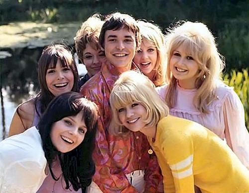 茂みの中の欲望 Here We go Round The Mulberry Bush 1967